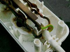 Innenansicht - deutliche Verschmorungen und Abschmelzungen der angeschlossenen Leiter  (Quelle: Ingenieurbüro Thomas Braß VDI)
